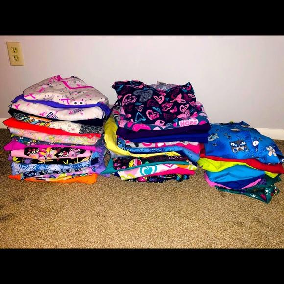 40 scrub outfits, 7 scrub jackets, random items